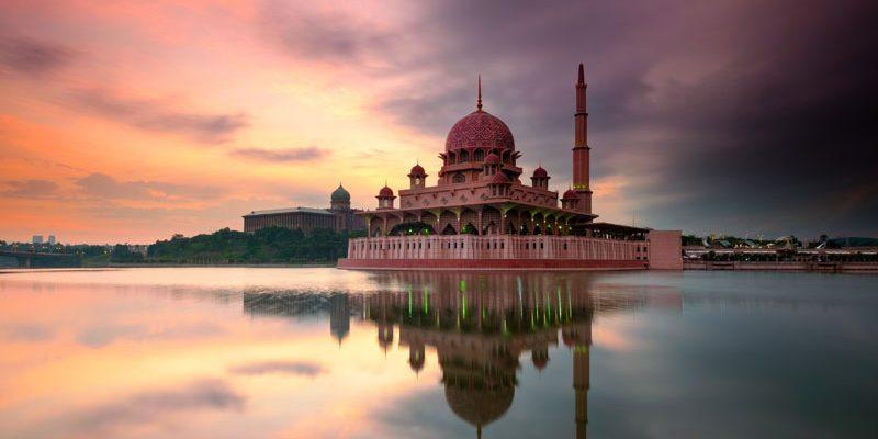 Malaysia Putra mosque, in Putrajaya